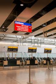 check in desk sign closed check in desks at heathrow airport london stock photo