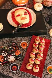 halloween food table decorations