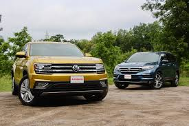 volkswagen jeep 2018 volkswagen atlas vs 2017 honda pilot comparison test