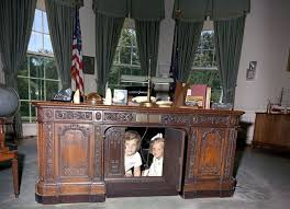 Model Building Desk Which Of These 6 Oval Office Desks Will Donald Trump Pick