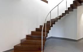geschlossene treppen innentreppen aus holz glas beton und stahl sillertreppen