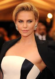 charlize theron red carpet hairstyles charlize theron and met