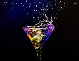 martini photography wallpaper black background night reflection drink glass