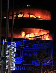 Flagging Liverpool Liverpool Car Park Blaze Destroys Hundreds Of Vehicles On New