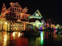 christmas light show pigeon forge tn 10 great places in tennessee you must visit this winter