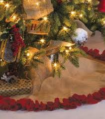 this diy burlap tree skirt is for rustic decor