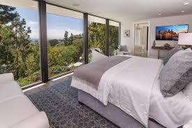 bedroom white bedroom decor white bedrooms sfdark full size of kendall jenner new modern design 6 5 million bedroom hollywood theme home elegant bedroom