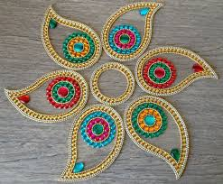 Diy Home Decor Indian Style Colorful Indian Rangoli In Paisley Indian Diwali Decor