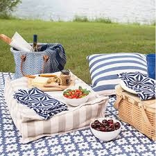 Albert And Dash Outdoor Rugs Dash And Albert Samode Denim Ivory Indoor Outdoor Rug Ships Free