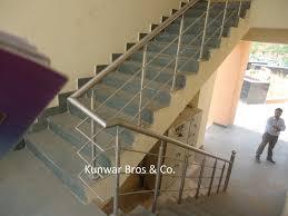 Handrails Suppliers Ss Railing Handrail Balcony Railing Staircase Railing Wall