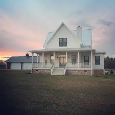 country farmhouse white farm house planinar info