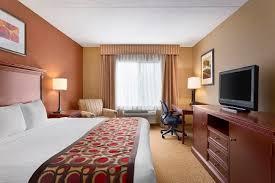 Nashville Comfort Suites Bna Hotels On Donelson Pike Country Inn U0026 Suites