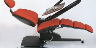 Recliner Computer Desk by Move Over Standing Desk U2014 This One Reclines
