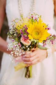wedding flowers budget fall wedding flowers on a budget wedding ideas