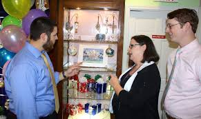 famous jewelers magnon jewelers enjoys business milestone tbo com
