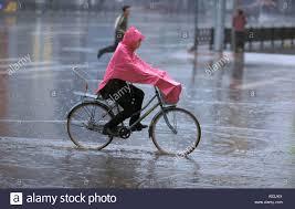 bicycle raincoat painet ha1091 7173 china rainy day bicycle pink raincoat shinyang