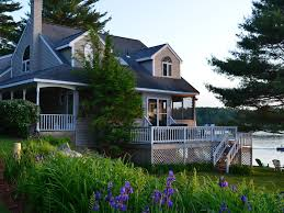 massachusetts house charming secluded waterfront home located homeaway leicester