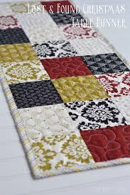 holiday table runner ideas 70 best table runners images on pinterest table runners table