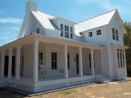Farm Style House by Best 20 White Farm Houses Ideas On Pinterest Cute Small Houses