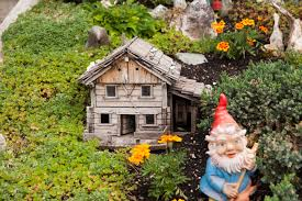 how to create a fairy house or garden gnomo casetta loversiq