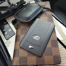 lexus es350 key fob battery is anyone using the lexus