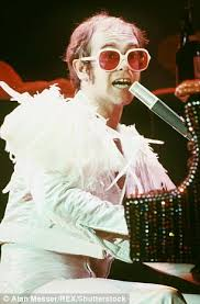 Country Comfort Elton John Rod Stewart And Elton John Is The Most Entertaining Feud In Music