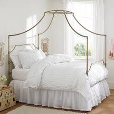 How To Decorate A Canopy Bed Canopy Beds For Every Decorating Style