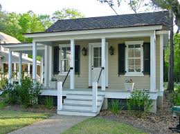 Tiny Guest House Best 25 Guest House Cottage Ideas On Pinterest Small Guest