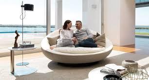 rund sofa rundes sofa modern leder stoff lacoon island by jai jalan