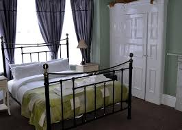 Superior King Size Room  Family Rooms Available In Whitby BB - Family room size