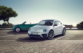 volkswagen ads 2016 sporty vw beetle r line arrives in the uk range priced from 16 820
