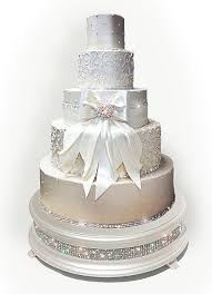 wedding cakes with bling silver diamond wedding cake stand wedding cake stands crafted in