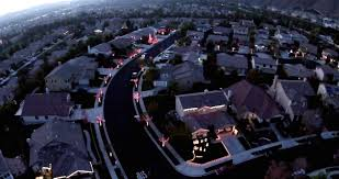 an entire neighborhood syncs their christmas lights to music bdcwire
