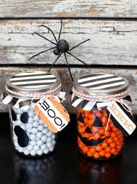 Halloween Candy Jars by 10 Diy Halloween Mason Jar Ideas
