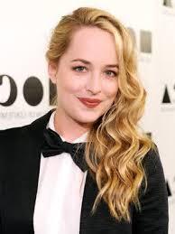 how to get dakota johnsons hairstyle celebrity hairstyles dakota johnson wavy blonde long hair trend