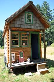 small house in tiny house movement