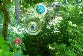 Bowling Ball Garden Art Repurposing Beth Evans Ramos Blog