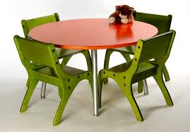 Child Table And Chair Eco Friendly Sustainable Kids Furniture Table And Chairs By Knu