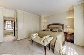 Jackie Kennedy Bedroom Mayfair Former Stables Where Jackie O Stayed With Stepdaughter On