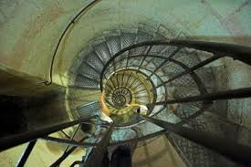 El Arco de Triunfo de París  Images?q=tbn:ANd9GcQm9M3XAsGNe9BV9YhYHk4rVapQ2dW2NwxdpU7IbaPy6x8NGvk&t=1&usg=__Bp2GMbch4G8TiF5l4-gnprmoQ_U=