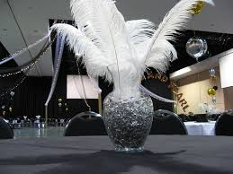 ostrich feather centerpiece themes
