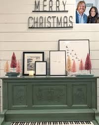 chip and joanna farmhouse chip and joanna gaines house tour and holiday decorations people com