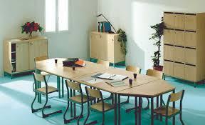 chaise salle de réunion tables et chaises de réunion réunion salle des professeurs