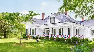 farmhouse porches 12 spectacular farmhouse style patriotic porches one thousand oaks