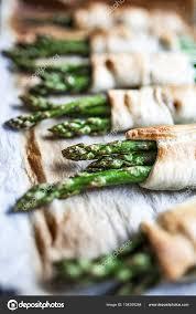cuisiner asperges vertes fraiches torréfié les asperges vertes fraîches au parmesan dans une pâte
