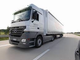 2018 volvo semi truck gasoline fueled diesel truck engine cuts fuel use emissions