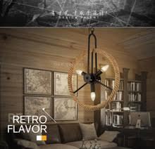 chambre style loft lustre de style loft salle lumière vélo roues en bois chambre d