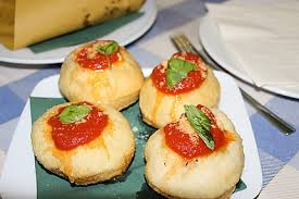 cuisine napolitaine cuisine napolitaine gastronomie naples italie routard com