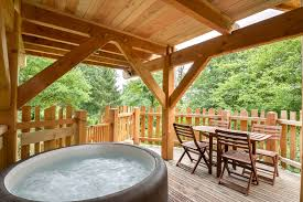 jacuzzi bois exterieur pour terrasse le pod spa