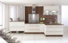 cuisine bois et blanc laqué cuisine laqué blanc et bois le bois chez vous